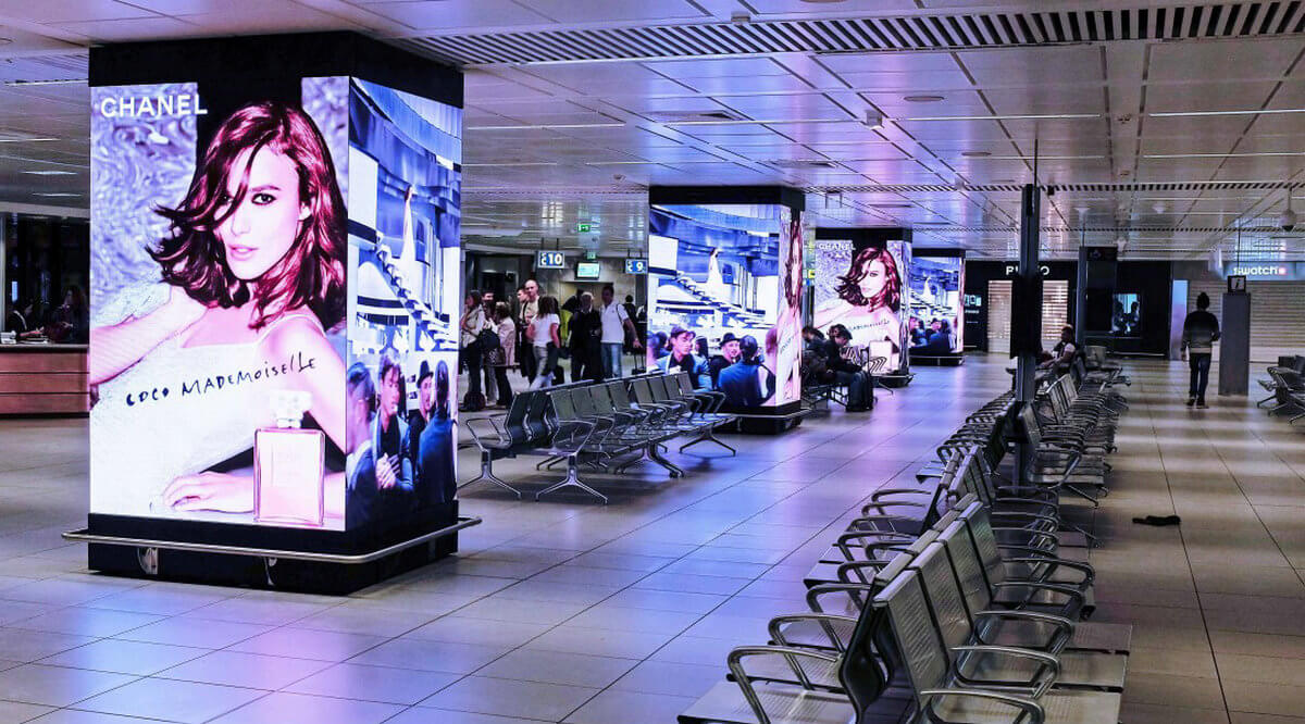 Chanel Pillars 3 Fiumicino Square Column LED Display