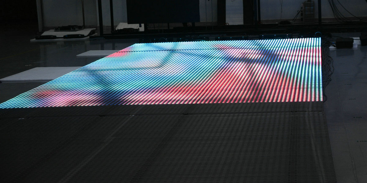 Outdoor Highly transparent LED displays-4