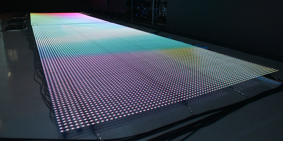 Outdoor Highly transparent LED displays-5